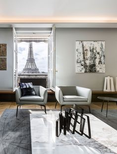 Detalle Salón con vistas a la Tour Eiffel