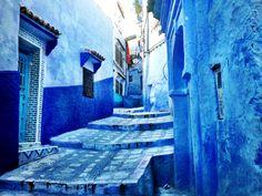 Marrocos, Chefchaouen- Chefchaouen é uma cidade maravilhosa e única em Marrocos inteiro. Mergulhar no interior da cidade é descobrir as ruas azuis, num anil que fere a vista mas aguça a curiosidade.