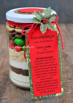 Pot vol kerstkoekjes (Laura's Bakery) Christmas Craft Fair, Christmas Gift Wrapping, Christmas Cookies, Jar Gifts, Food Gifts, Pots, Diy Presents, Holiday Festival, Cookie Jars