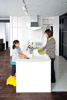 キッチンは、お手伝いがしやすいL型シンク