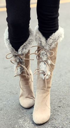 Winter boots, so cute. I would carry her, I need her with this Ohio weather ri … - Winter Boots Lace High Heels, High Heel Boots, Heeled Boots, Bootie Boots, Platform Boots, Cute Shoes, Me Too Shoes, Over Boots, Boots With Fur