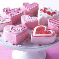 Mini Heart-Shaped Cake  #papercoterie