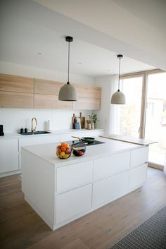 Modern Two Tone Kitchen has never been so Awesome! Since the beginning of the year many girls were looking for our Amazing guide and it is finally got released. Now It Is Time To Take Action! See how... #interiors #homedecor #interiordesign #homedecortips Eat In Kitchen, Open Kitchen, Kitchen White, Family Kitchen, White Kitchens, Kitchen Interior, Kitchen Decor, Diy Kitchen, Kitchen Layout