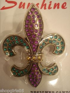 NEW! BEAUTIFUL FLEUR DE LIS/MARDI GRAS RHINESTONE CANDLE PUSH PIN WOULD REALLY DRESS UP ANY CANDLE AND LOOK GREAT IN YOUR HOME.  REALLY PRETTY!