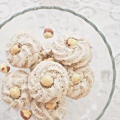 Laskominy od Maryny: Čokoládové pusinky s ořechy Krispie Treats, Rice Krispies, Pavlova, Christmas Candy, Vegetables, Desserts, Advent, Food, Tailgate Desserts