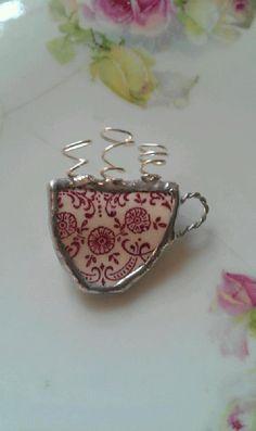 Burgundy Filigree Broken China Coffee (Tea cup) by Mysticglassduo Broken China Crafts, Broken China Jewelry, Glass Jewelry, Metal Jewelry, Bead Crafts, Jewelry Crafts, Diy Jewelry Inspiration, Crumpets, Tea Accessories