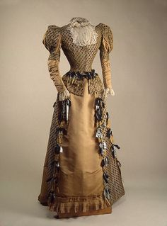 House of Worth, Dress Worn by Empress Maria Feodorovna. Paris, 1880s.