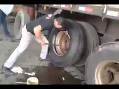 Trocando pneu de caminhão  em 1 minuto