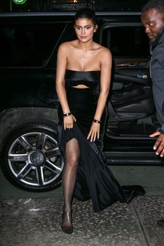 Share, rate and discuss pictures of Kylie Jenner's feet on wikiFeet - the most comprehensive celebrity feet database to ever have existed. Kylie Jenner Feet, Kylie Jenner Pictures, Kylie Jenner Style, Kardashian Jenner, Kylie K, Kendall And Kylie Jenner, Kim And Kourtney, Supermodels, Instagram