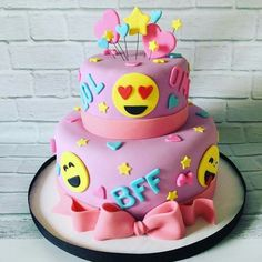 67 Ideas Cupcakes Anniversaire Ado For 2019 12th Birthday Cake, Birthday Cake With Photo, 10th Birthday Parties, Birthday Cake Girls, Birthday Cake Emoji, Free Birthday, Birthday Ideas, Cupcakes, Cupcake Cakes