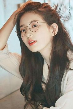 """During the show Off the Record, Suzy called her bare face """"harmful"""", but fans disagree because her natural beauty is undeniable. Bae Suzy, Korean Beauty, Asian Beauty, Miss A Suzy, Cute Korean Girl, Korean Actresses, Korean Celebrities, Beautiful Asian Girls, Ulzzang Girl"""