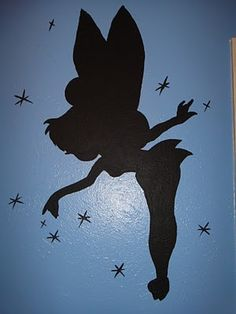 One of a series of Peter Pan silhouettes Kate has used to decorate the walls of a room. Amazing! ;) Mo  #Disney #Tinkerbell #silhouette