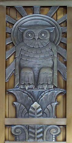 Concept Modeling For Metallic Sculpture : – Picture : – Description Art Deco owl above the door to center reading room, floor, Library of Congress, John Adams Building, Washington -Read More – Art Nouveau, Owl Door, Inspiration Art, Unique Doors, Owl Art, Library Of Congress, Congress Building, Door Knockers, Door Knobs