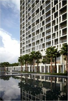 Bangkok condominium for sale on Sathorn Road. Located in the heart of Bangkok's central business district (CBD).