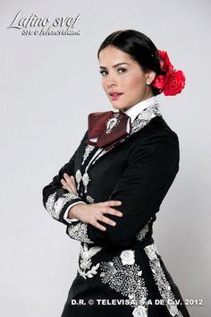 Danna Garcia (as Maria Mendoza Garcia) Mexican Costume, Mexican Outfit, Mexican Dresses, Mexican Style, Spanish Costume, Mexican Clothing, Mexican Art, Mariachi Suit, Mexican Mariachi
