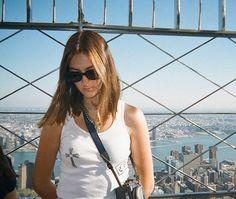 Nyc Life, City Life, Zoe Kravitz, Concrete Jungle, Teenage Dream, Summer Aesthetic, Girl Humor, Curling, Film Photography