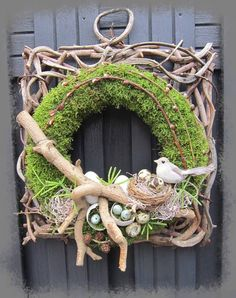 Jan's Page of Awesomeness! Easter Wreaths, Christmas Wreaths, Picture Wreath, Memorial Flowers, Deco Originale, Diy Ostern, Easter Flowers, Summer Wreath, How To Make Wreaths