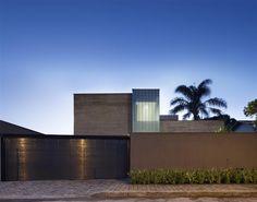 Amazing homes via EcoSalon's minimalist meets tropical round up: http://ecosalon.com/minimalism-goes-tropical/