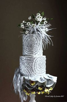 These seriously spectacular wedding cakes from Floral Cakes by Jessica MV have us head-over-heels in love with every decadent detail! The geometric designs, the unique patterns and of course, the beau