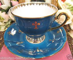 WINDSOR TEA CUP AND SAUCER BLUE & GOLD  GREAT PATTERN FOOTED TEACUP