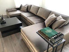 Home Living Room, Living Room Designs, Living Room Decor, Moroccan Lounge, Elegant Living Room, Velvet Sofa, First Home, Modern House Design, Luxury Living