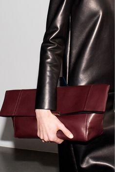 Celine fashion handbags women handbags lady handbags handbags for women luxury handbags handbags for women Looks Street Style, Looks Style, My Style, Casual Styles, Celine Clutch, Clutch Bag, Look Fashion, Fashion Bags, Shoes