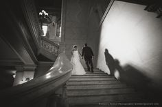 Columbus Ohio wedding venue. Central Ohio wedding photographer.The Ohio Statehouse is full of unique places for dramatic and timeless wedding photos.
