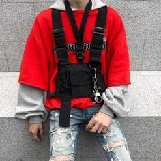 Check out oue classic black Chest Rig for deconstructed normcore style Normcore Fashion, Streetwear Fashion, Mens Fashion, Normcore Style, Streetwear Men, Vest Outfits, Edgy Outfits, Fashion Outfits, Military Vest