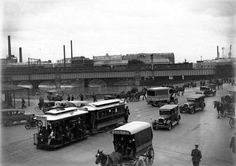 Queens Bridge in Melbourne,Victoria in 1927.