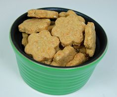 Beef flavored homemade dog treats-this has got to be cheaper than the box of Meaty Bones we buy.