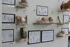 The Power of Documentation in a Reggio-Inspired Classroom Reggio Emilia Classroom, Reggio Inspired Classrooms, Preschool Classroom, Preschool Art, Teaching Kindergarten, Reggio Emilia Preschool, Learning Stories, Learning Spaces, School Displays