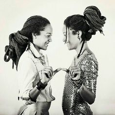 Sending my final earth strong blessings to you as our day comes to a close. The was filled with LOVE! Dreadlock Hairstyles, Braided Hairstyles, Black Is Beautiful, Gorgeous Hair, Dreadlock Rasta, Dreads Girl, Natural Hair Inspiration, Textured Hair, Natural Hair Styles