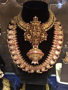 I just temple jewelry & I badly want this....;)))