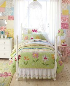 Girls Daisy Garden Bedroom. A great quilt project. #bedroom #daisy #flowers #quilt