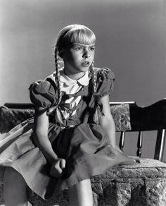 patty mccormack the bad seed 1956 Child Actresses, Child Actors, Actors & Actresses, Classic Hollywood, Old Hollywood, The Bad Seed, Vintage Horror, Movie Photo, Horror Films