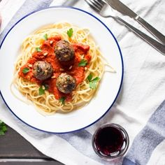 vegan meatballs with tomato sauce and spaghetti