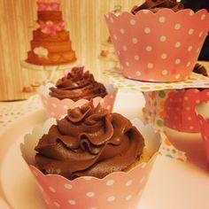 Cup cakes con frosting al cioccolato fondente by Profumodilavanda