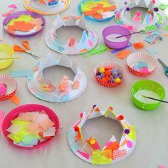 Over here, we are kind of obsessed with making party hats. It& such a great open-ended activity that allows for artistic freedom while opening the door to Paper Plate Hats, Paper Plates, Toddler Crafts, Preschool Crafts, Hat Crafts, Paper Crafts, Diy For Kids, Crafts For Kids, Diy Party Hats