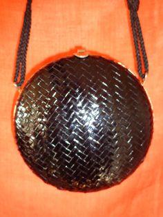 Vintage Handtaschen - Tasche*Vintage*rund*bast*gold* - ein Designerstück von SweetSweetVintage bei DaWanda