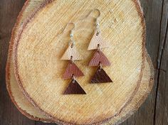 Arrow leather Triangle Dangle Earrings - Brown and beige