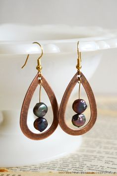 DIY: Pendulum Teardrop Earrings