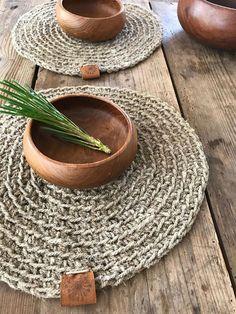 Rustic Placemats, Linen Placemats, Linen Tablecloth, Natural Placemats, Crochet Decoration, Crochet Home Decor, Knitting Projects, Crochet Projects, Crochet Placemats