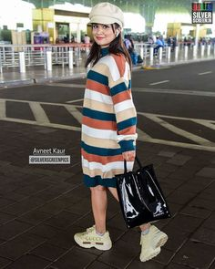 Celebrity Outfits, Teen Fashion Outfits, Trendy Fashion, Beauty Tips For Girls, Airport Look, Photo U, Standing Poses, Indian Teen, Teen Actresses