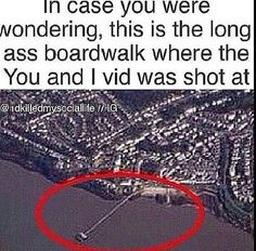 Wow that is a long ass boardwalk. I wanna go there and be like One Direction and re create You and I One Direction Fandom, I Love One Direction, Jealous Girlfriend, British Boys, One Direction Pictures, All Family, 1d And 5sos, Zayn, Boy Bands