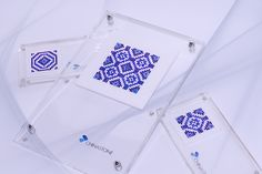 This symmetrical and elegant vintage pattern set was made primary in blue colors and contains 1,548 precision-cut natural gemstones, including 613 pcs of Blue Sapphire, 544 pcs of White Sapphire and 391 pcs of Black Sapphire.    http://www.thechinastone.com/products/search-results/keywords-00104524-00105224-00110679-00119887-00119993-00132053/10/0