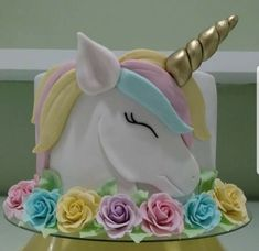Unicorn cake with rainbow mane Unicorn Birthday Parties, Birthday Cupcakes, Unicorn Party, Unicorn Cakes, Fondant Cupcakes, Cupcake Cookies, Beautiful Cakes, Amazing Cakes, Bolo Laura