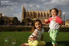 Y más burbujas...esta vez con la catedral de Palma de fondo.