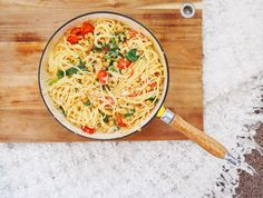 MUST TRY VEGAN CHICKPEA SPINACH & CHERRY TOMATO SPAGHETTI!! SO SO GOOD