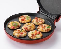 Betty Crocker Pizza Maker >>> For more information, visit image link. (This is an affiliate link) Quiche, Mini Frittata, How To Make Quesadillas, How To Make Pizza, Must Have Kitchen Gadgets, Kitchen Must Haves, Betty Crocker, Nachos, Pizza Maker