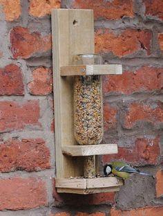 Beaucoup d'entre nous ont le passe-temps de nourrir les oiseaux sauvages dans notre jardin, avec des miettes, céréales, fruits, etc. Auparavant, dans un autre poste dédié à ces animaux, nous …